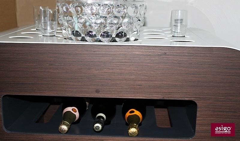 Carrello porta bottiglie per il servizio del vino
