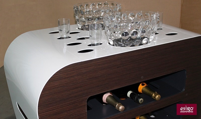 Carrello per bottiglie per il servizio del vino