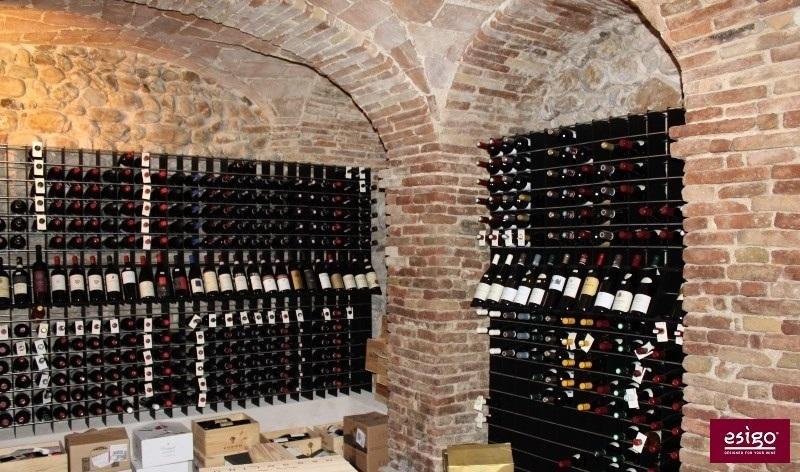 Gallery arredamento esigo per punto vendita vino - Portabottiglie acciaio ...