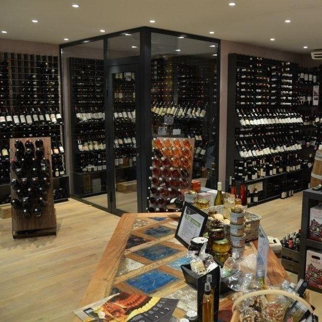 Esigo portabottiglie di design arredamento enoteca e for Arredamento wine bar